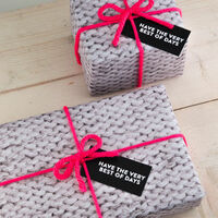 Preview%20all%20wrapped%20up%20knitted%20wrapping%20paper%20set